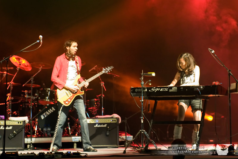 Paul Gilbert & Emi Gilbert
